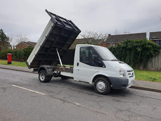 The automobile market is flooded with a wide variety of trucks, but one that stands out is the transit tipper trucks. https://bit.ly/34kKmEA #automobile #trucks #transit #tipper #tippertrucks #trailer #tippertruck #movers #selfdrive #easytouse #Commercialpic.twitter.com/W5WbhlDErL