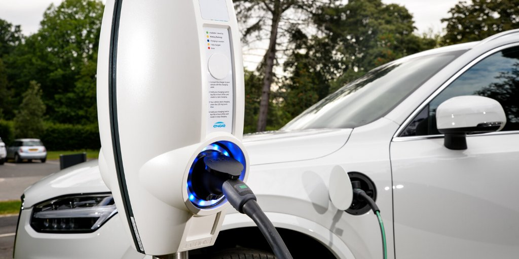 With 60,000 charge points globally, we are well equipped to enable you to convert your business fleet to #electricvehicles. Backed by renewable energy expertise, read more about our #EV capabilities here > http://bit.ly/36lPbPg #ZeroCarbonTransitionpic.twitter.com/lWzEIHdWHE
