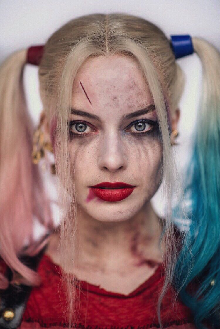 Best Of Margot On Twitter Margot Robbie As Harley Quinn X 2016 And 2019