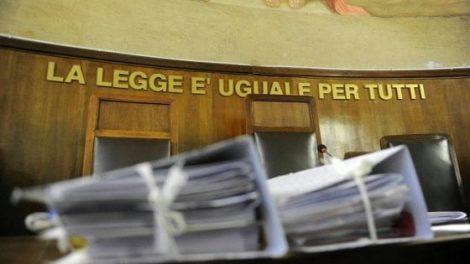 Frase 'sessista' al tribunale di Catania, gli avvocati difendono il giudice finito nella bufera - https://t.co/9MPSGMUi0j #blogsicilianotizie