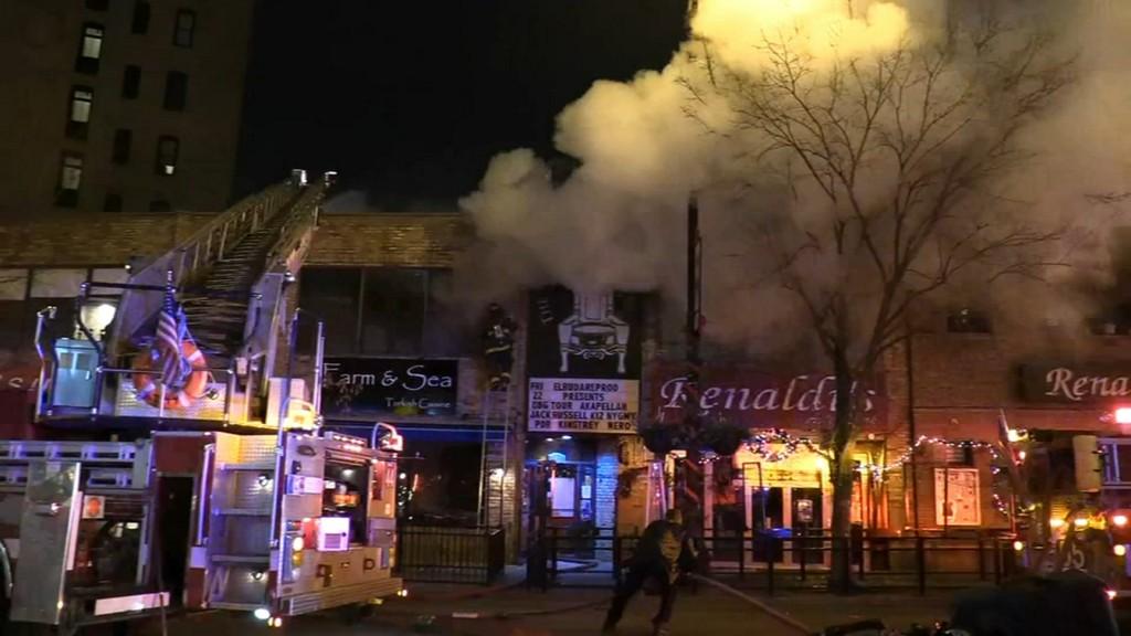 Fire damages Lakeview apartments, restaurants https://abc7chicago.com/5758866/?ex_cid=TA_WLS_TW&taid=5df77bc1058609000175ac7c&utm_campaign=trueAnthem%3A+Trending+Content&utm_medium=trueAnthem&utm_source=twitter…pic.twitter.com/6Cuclu4OeR
