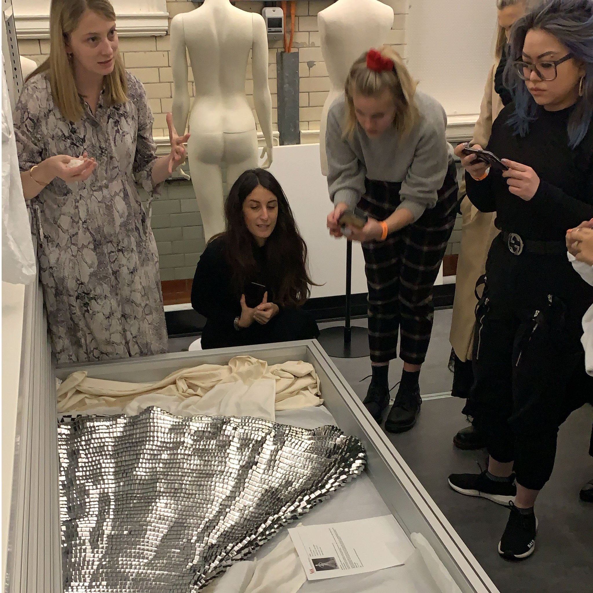 Conde Nast College On Twitter Our Ma Students Digging Into Fashion History With A Talk On The Golden Age Of Couture Given By Curator Elisabeth Murray At The Clothworkers Centre V A