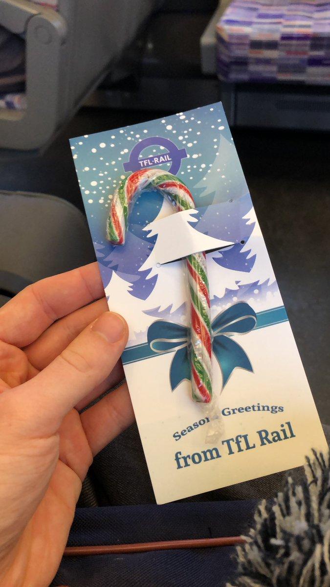EL6oJi8XsAEPiB  - Bearing the gifts of TfL Rail...