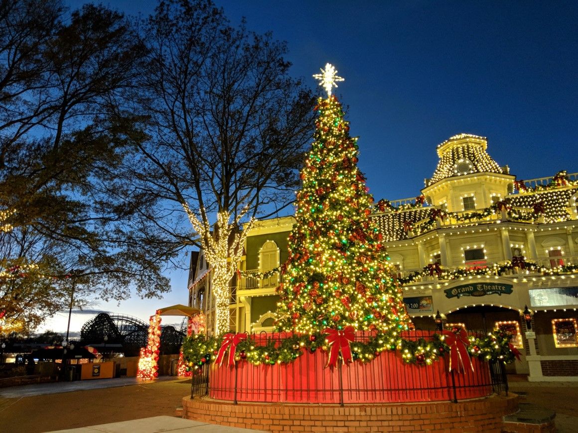It's the most magical time of the year! #entertowin a family 4-pack of tickets to @SixFlagsDC Holiday in the Park. #MarylandMondays contest runs through December 22. Must be 18+ to enter. Winner notified via email. https://t.co/Ghi6S6KcJl #HolidayinthePark https://t.co/ecZW5Hr7Za