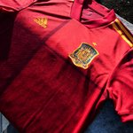Image for the Tweet beginning: The adidas 2020 Spain Home