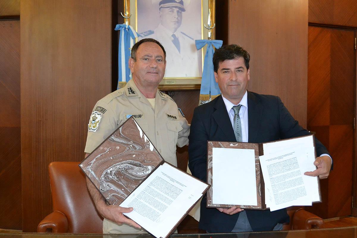 Cierre de grieta y acuerdo de colaboración entre Prefectura y Capitanes de Pesca