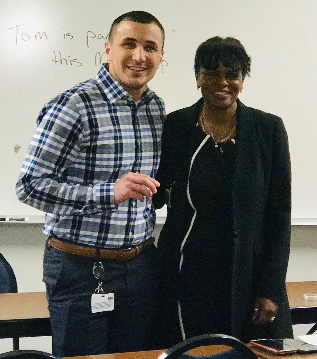 Oakland County Probation Agent Bazzi recognized by ADD Smith for his hard work and dedication as a Treatment Court Agent. Keep up the great work! @Dietrichb7 @MDOCWayneh @LatrecePorter https://t.co/rwVuDNAuCd