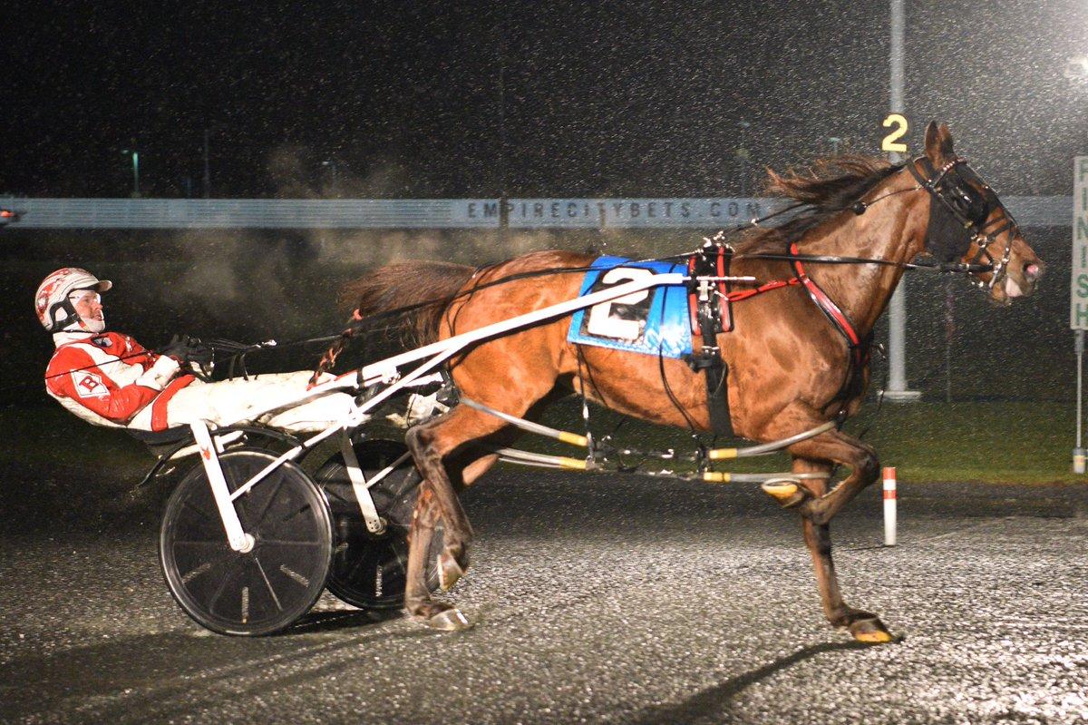 Mach It A Par goes out a winner http://ustrottingnews.com/mach-it-a-par-goes-out-a-winner/… #Yonkers2019
