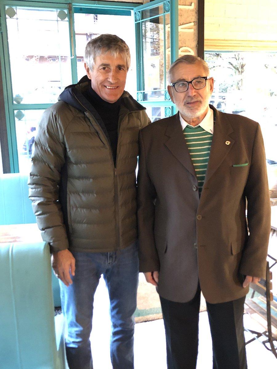 Hoy mereció la pena salir de casa, he conocido a Mauricio Gómez González, el socio número 1 del Racing.