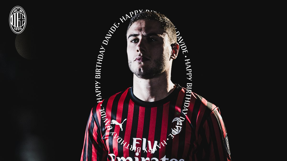 🇮🇹 Davide Calabria turns 23 today! Have a great birthday! 🎂  🇮🇹 Buon 23 ̊ compleanno a @davidecalabria2 🎂   #SempreMilan
