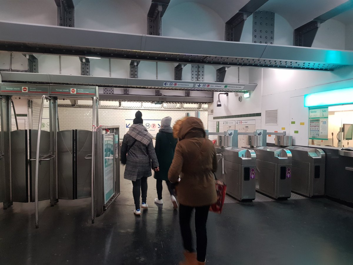 Strikes on Paris Metro could last 'a week or a month' a member of staff tells me. Line 7 is open just for rush hour and will close at 9. Transport free for those who use it today. #grevedu5decembre <br>http://pic.twitter.com/MN2ob07rOK