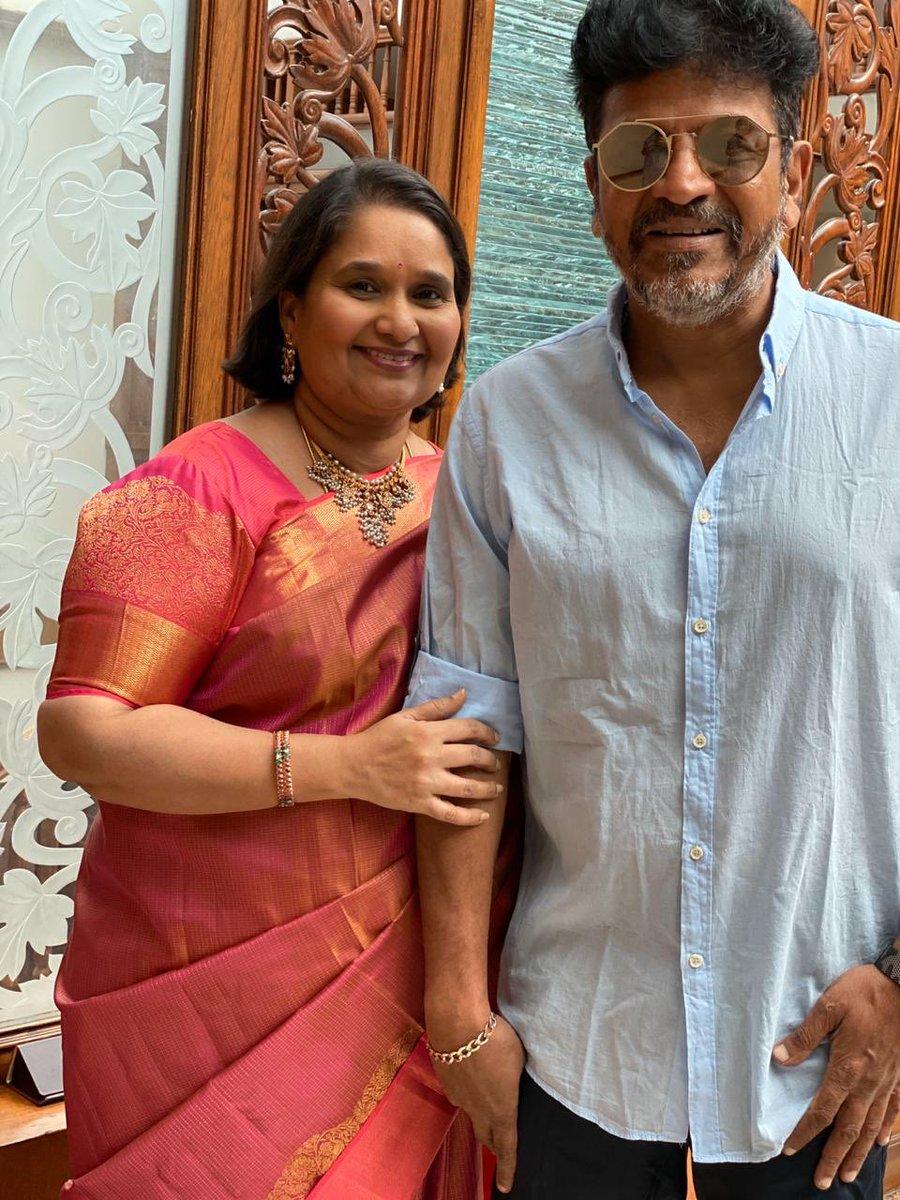 Replying to @NimmaShivanna: ನನ್ನ ಗೀ ... ನನ್ನ ಡಾಡಾ ❤️❤️  ಏನೇ ಆದರೂ ನಿಮ್ಮ ಫ್ಯಾಮಿಲಿ ಜೊತೆಗಿರಿ ಅವರ support ಅತಿ ಅಮೂಲ್ಯವಾದುದು