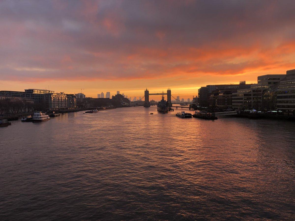A Monet sky this morning #ThursdayMotivation #sunrise<br>http://pic.twitter.com/lOad6aj20D