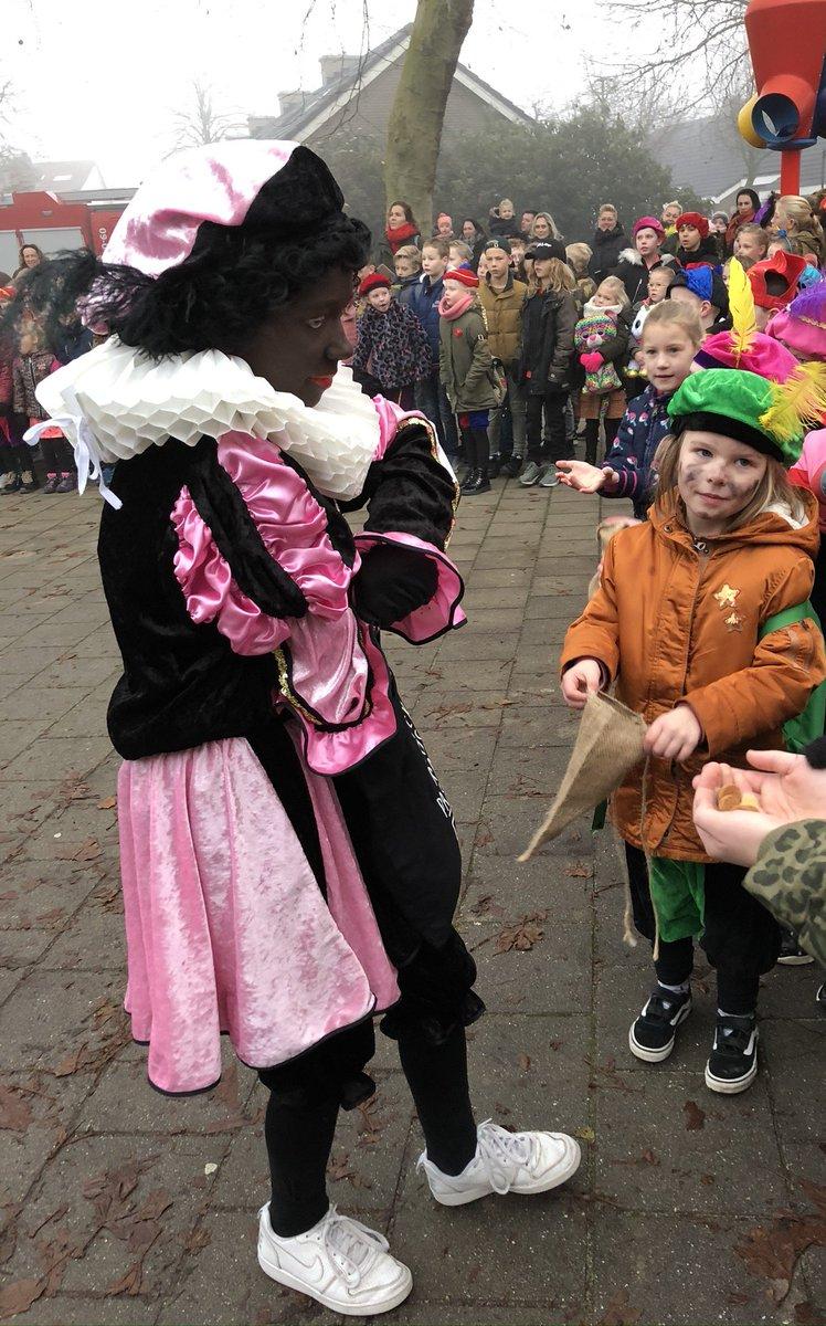 Image for the Tweet beginning: Het is weer gelukt: Sinterklaas