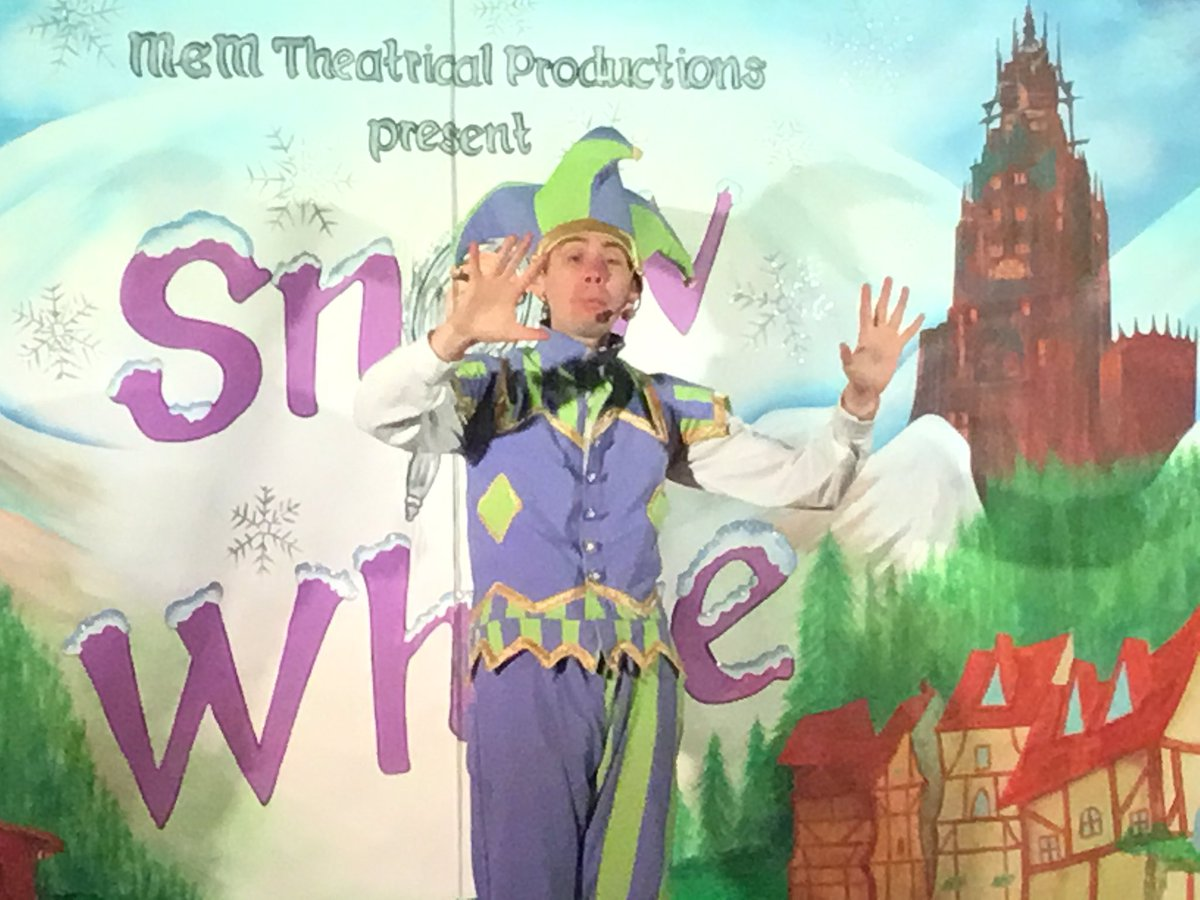 It's panto time! Oh no it isn't! Oh yes it is!