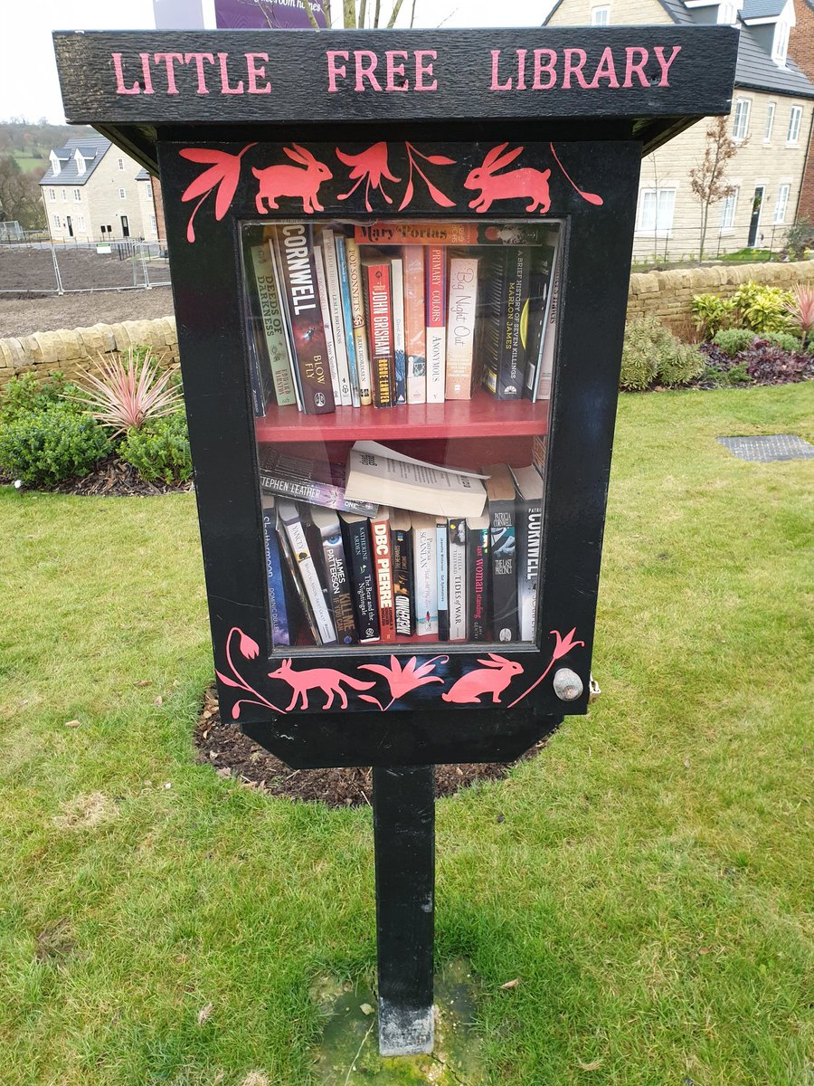 Look at that I found another little free library in Cookridge this time. #century21leeds #littlefreelibrary #cookridge #books #free