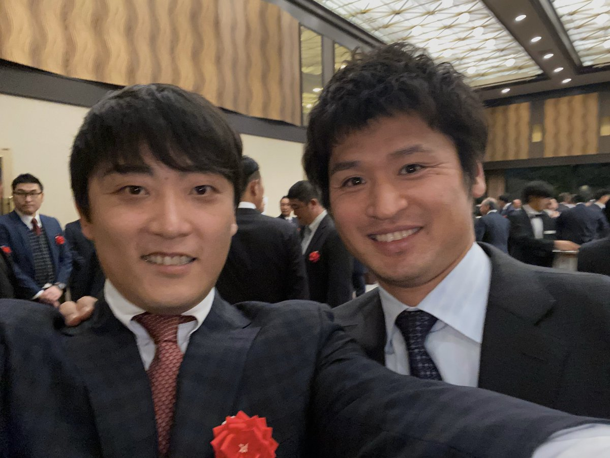 立浪さんの野球殿堂入りパーティー懐かしい人達と沢山会えて良かった😊メンバー凄すぎ😅中田さんあいかわらずすごくいい人でした😉⚾️