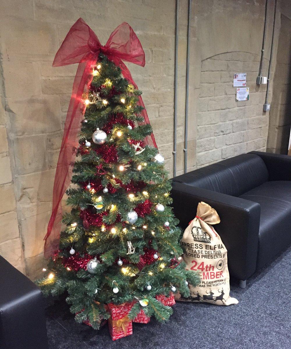 RT @Trinityteach We had so much fun decorating the office Christmas tree yesterday! 🎅 #ChristmasCountdown  @Trinityteach @TTSSchoolDirect @WhiteRoseMaths #Christmas #MerryChristmas  🎄