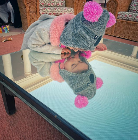 Too cute!❤️😘❤️😘 #InaayaKemmu's new picture as she plays 'Mirror mirror on the wall' is too cute for words  #CutenessOverload #babygirl #SohaAliKhan #Starkids #Celebrity #cutie #KareenaKapoorKhan #KunalKemmu #aww #Adorable #Toocute #munchkin   View More :