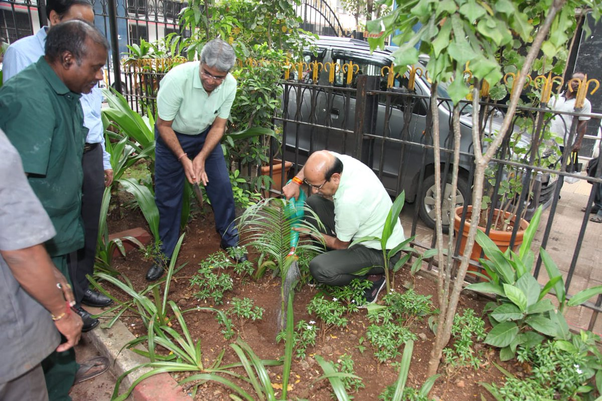 Shri V. K. Tripathi, AGM/WR, along with Principal Chief Mechanical Engg. planted tree at WR Head Quarters Office at Churchgate on #WorldSoilDay. It was observed all over WR by DRM's in Divisions & CWM's in Workshops with participation of ofcrs/staff . #SaveEarth #environment