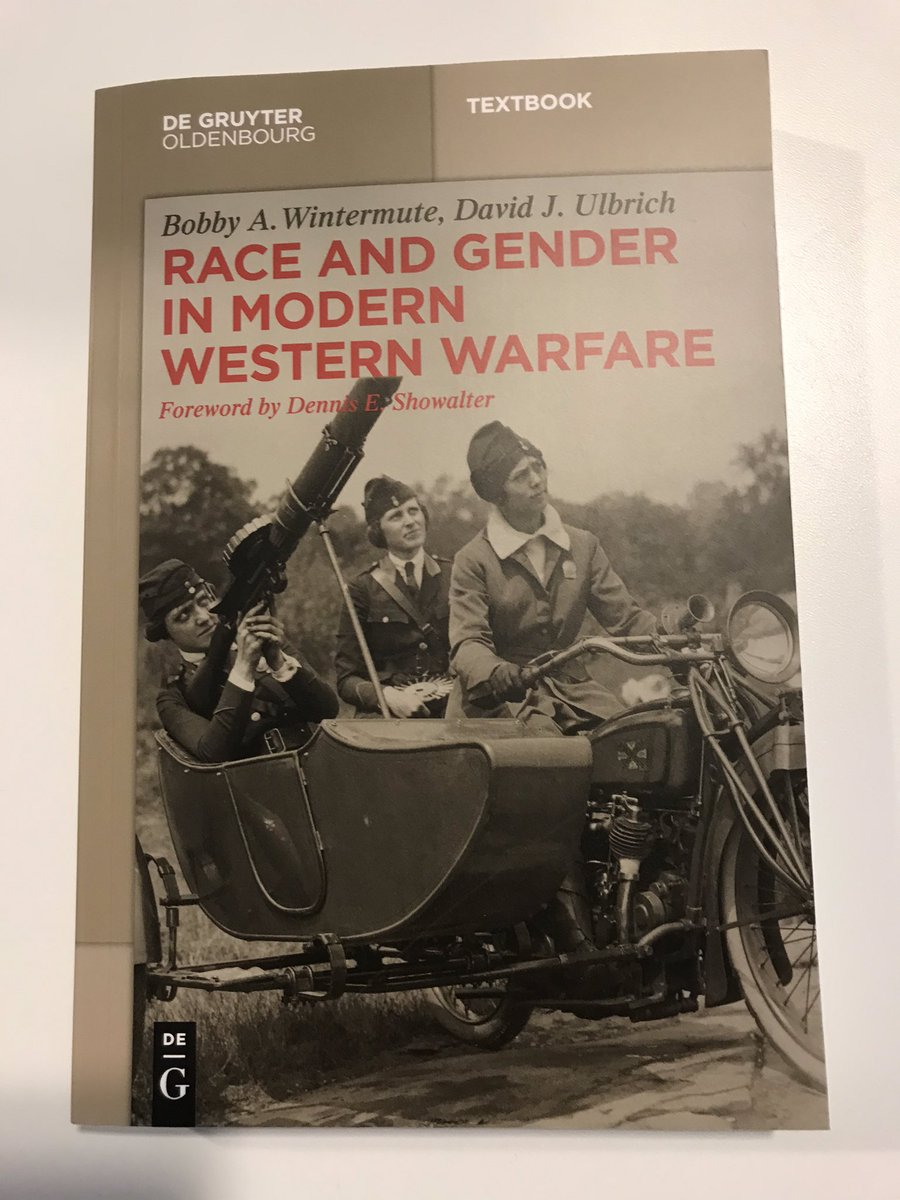 Dear #twitterstorians, interested in receiving a free copy of this beautiful book? Retweet and follow, please! Winner will be notified by 12pm CET tomorrow. Thx and enjoy #gender<br>http://pic.twitter.com/h69Bqy8Ujf