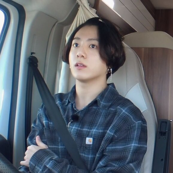 Hé lộ lý do Jungkook quyết định để tóc dài là vì fan? - ảnh 5