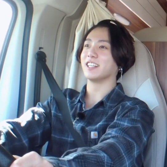 Hé lộ lý do Jungkook quyết định để tóc dài là vì fan? - ảnh 4