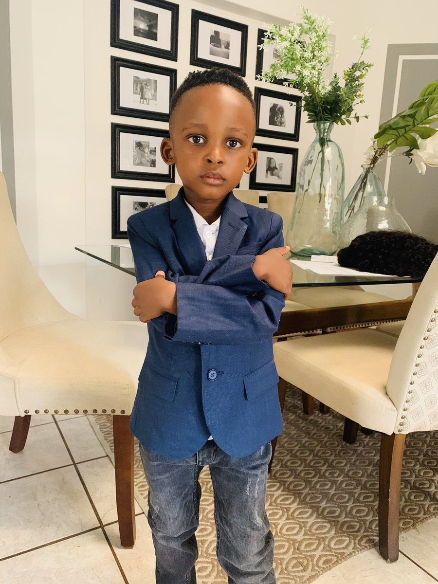 """He's pretending to be his dad and he has his own office, and yes I'm the assistant, he's calling me by my government name. """"Zuziwe Gcuku I need some juice""""😂😢"""