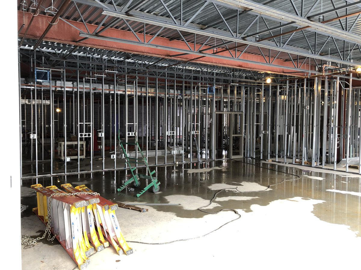 A view into what will soon be a <a target='_blank' href='http://twitter.com/DHMiddleAPS'>@DHMiddleAPS</a> science lab!!   <a target='_blank' href='http://twitter.com/APSscience'>@APSscience</a> <a target='_blank' href='http://twitter.com/dhms_ptsa'>@dhms_ptsa</a> <a target='_blank' href='http://twitter.com/EllenSmithAPS'>@EllenSmithAPS</a> <a target='_blank' href='http://search.twitter.com/search?q=StratfordProject'><a target='_blank' href='https://twitter.com/hashtag/StratfordProject?src=hash'>#StratfordProject</a></a> <a target='_blank' href='https://t.co/pAHmbRKDmY'>https://t.co/pAHmbRKDmY</a>