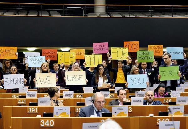 """#Timmermans """"No actuar ante el cambio climático costaría una #Fortuna"""" - https://is.gd/lkGnFT#SoyNuevaPrensa #CambioClimático #Costo #Cumbre #Europa #Madrid #Ambiente #Ciencia"""