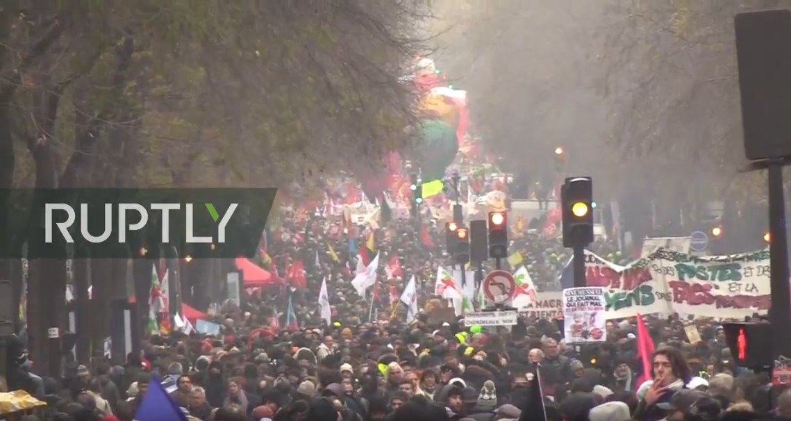 French unions call for general strike against pension reforms #Paris #FranceLIVE: http://bit.ly/2s2AS3d