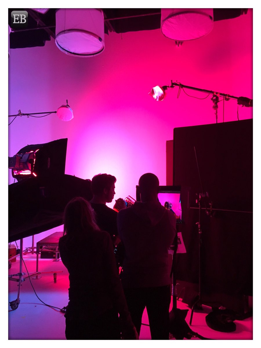 """""""#Pink Palace""""  #TheDailyMobile #photography #Gallery #Glow #Lighting #PhotoShoot #PinkPalace #Prelight #Purple #Setlife"""
