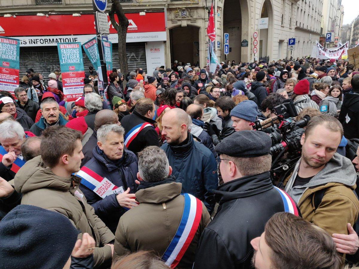 Nurses, teachers, lawyers, students, firefighters, workers gathered in #Paris to demonstrate against the pension reform of #Macron. We demand fair pensions for all   #5Decembre #greve5Decembre #grevedu5Decembre #OnBougeLe5Decembre #retraites<br>http://pic.twitter.com/lmfScchHOZ