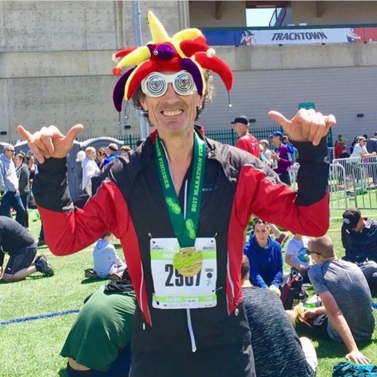 #tbt to this photo from the Eugene Marathon 2yrs ago. 🏃🏻‍♂️🏆#sundayfunday #marathontraining #runner #pacificnorthwest #pnw #funnyface #jester #tistheseason #runnersofinstagram #goodmorning #influencer #bigmood #healthandwellness