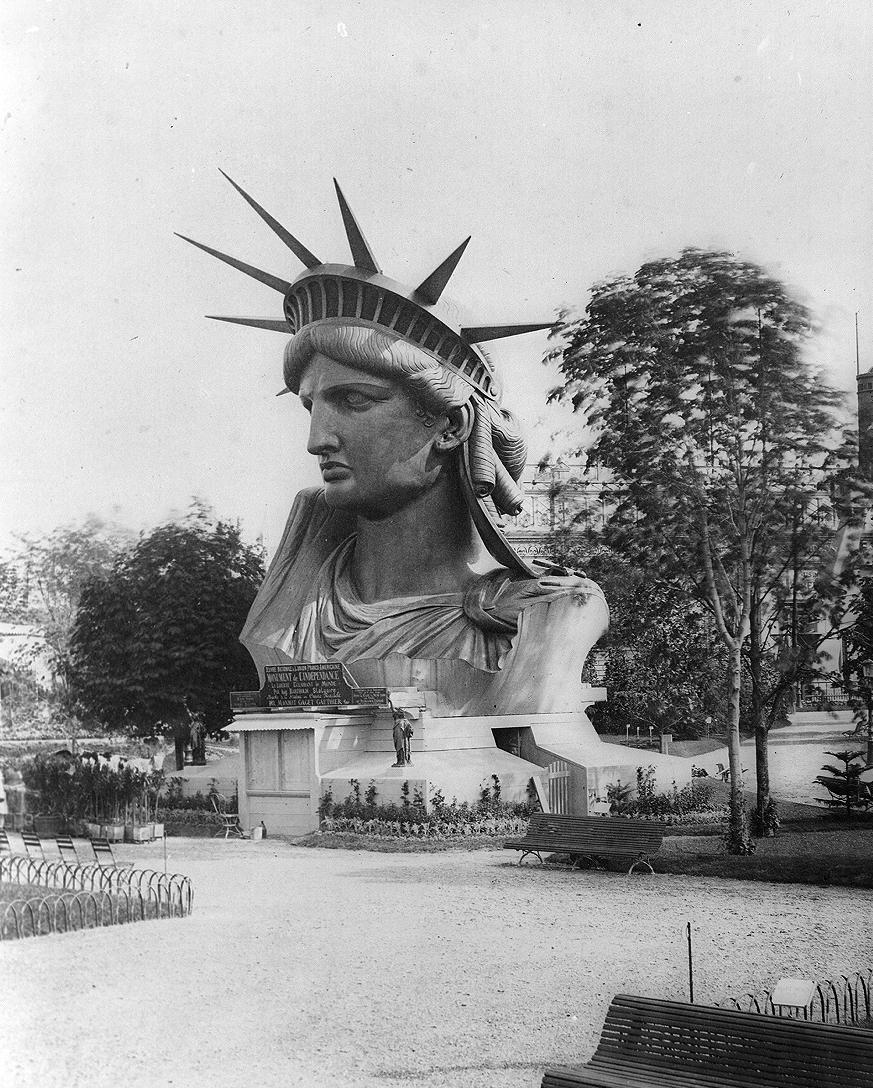 The Statue of Liberty's head, showcased at the Paris World's Fair in 1878 (before assembly in NYC). <br>http://pic.twitter.com/NxDDjXMSzE