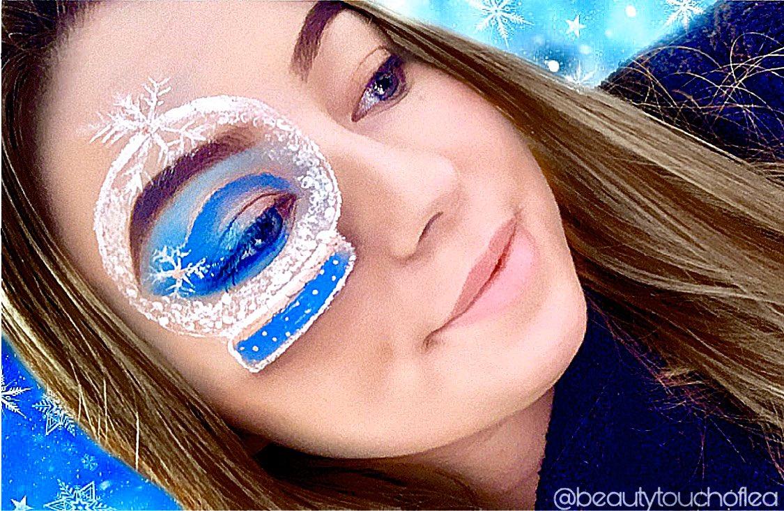 Makeup Snowball ❄️ IG : @beautytouchoflea  . . . #makeup #makeupsnow #christmasmakeup #makeupaddict #makeupJunkie #makeupartist #makeuplover #faceart #art #5decembre2019 #MAKEUPONESLIFE