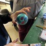 Image for the Tweet beginning: Making fingerprint ornaments in Mrs.