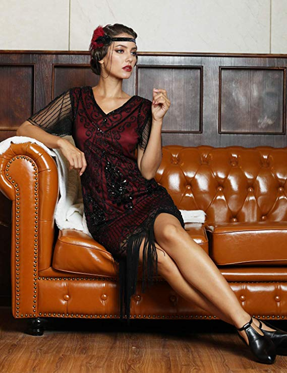 This guide to 1920s style for curvy women is full of tips, tricks and dresses. Learn how to embrace the flapper look while flattering your glorious curves.🥰👗 #amazing #cute #perfect #beauty #fashion #glam #girl #style #stylish #dress #glamorous #love