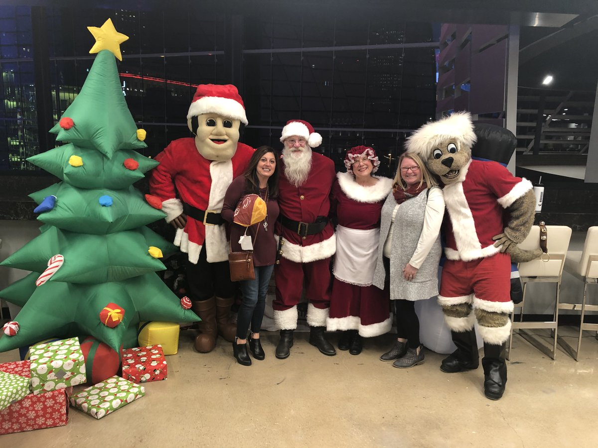 Join us for a Holiday Bash at the @RMFieldHouse on Saturday, December 21st. Join @cavssircc, Santa & @cavsmoondog for a fun morning filled with waffles, crafts, prizes, and holiday cheer! Tickets > bit.ly/2Phik7y