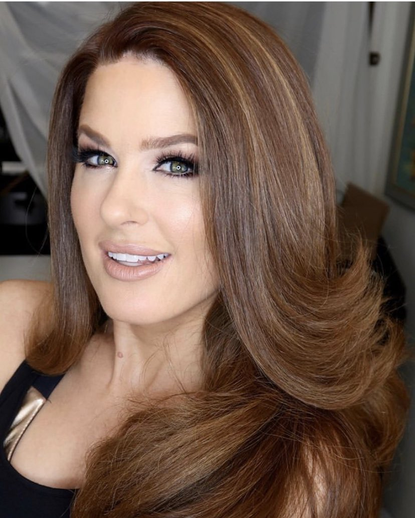 Glam time! ✨ #Throwback to this fab look by @makeupbylusine and @hairdesignbyval. 💄💇♀️ #TBT #glam