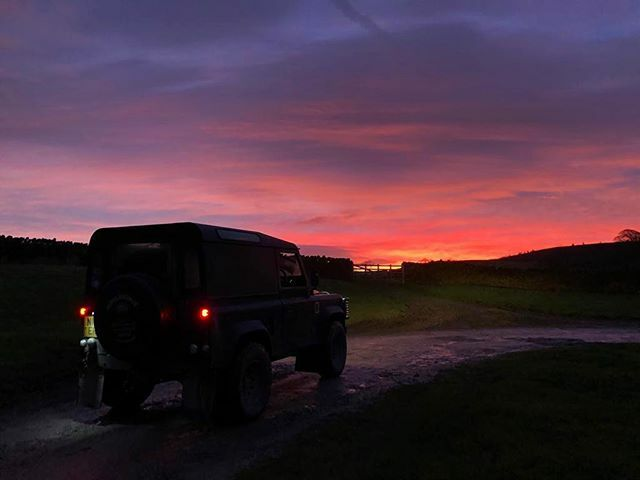 Beautiful start to the day this morning 🌅 . #nofilter #red #sunset #sunrise #sun #sky #landscape #landrover #wow #beautiful #pretty #love #clouds #red #purple #nature #pic #photooftheday #instagood #morning #outdoors #travelgram #sunrise_sunset_photo…