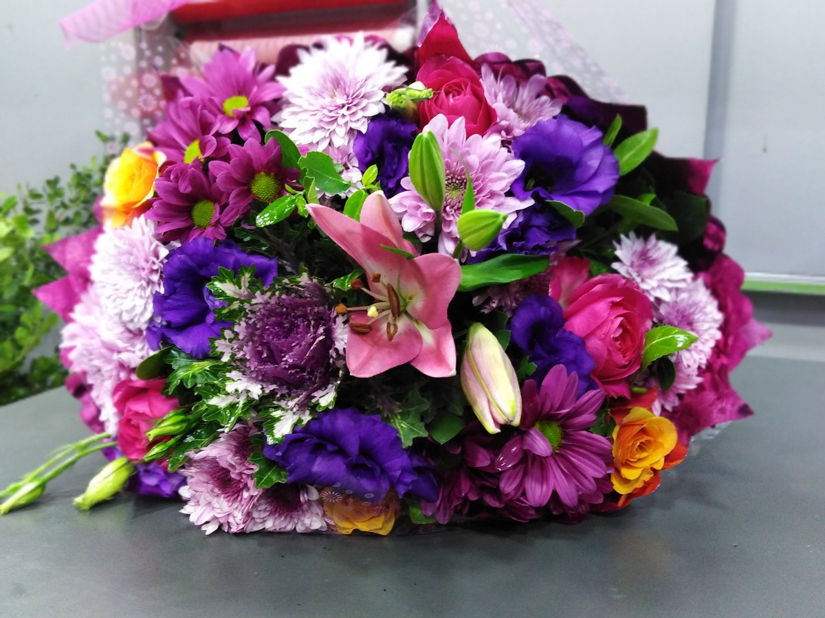 #Pink #Purple #Orange #Flowers #Bouquet 💜 #City_Rose 🌸  #مساء_الورد
