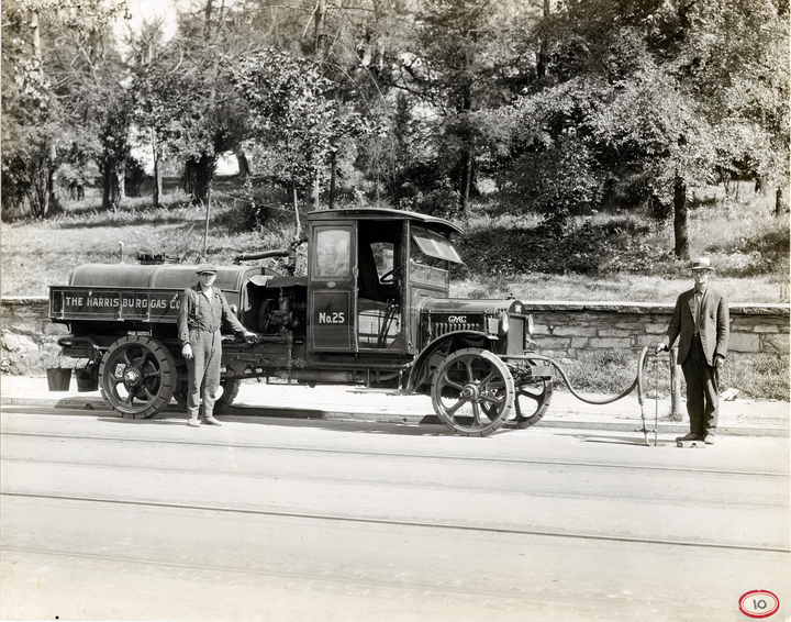 test Twitter Media - We're going all the way back to 1925 with this week's #TBT! 🚚 Can you identify this vehicle's make and model? https://t.co/EOE8VoAPmm