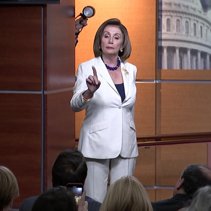 """""""Don't mess with me."""" Nancy Pelosi blasts reporter who asked if she hates Trump"""