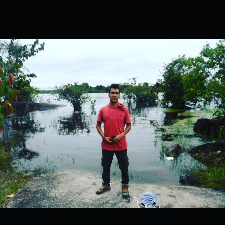 Los caños de la selva del Orinoco, caño el coco #Wild #Trip #Traveling #AutoStoping #ElVaupes #ElGuania #RioInirida #RioGuaviare #ConflictoReal  #LacolombiaInhumana  #Comunidad #ElCoco #TBThursday