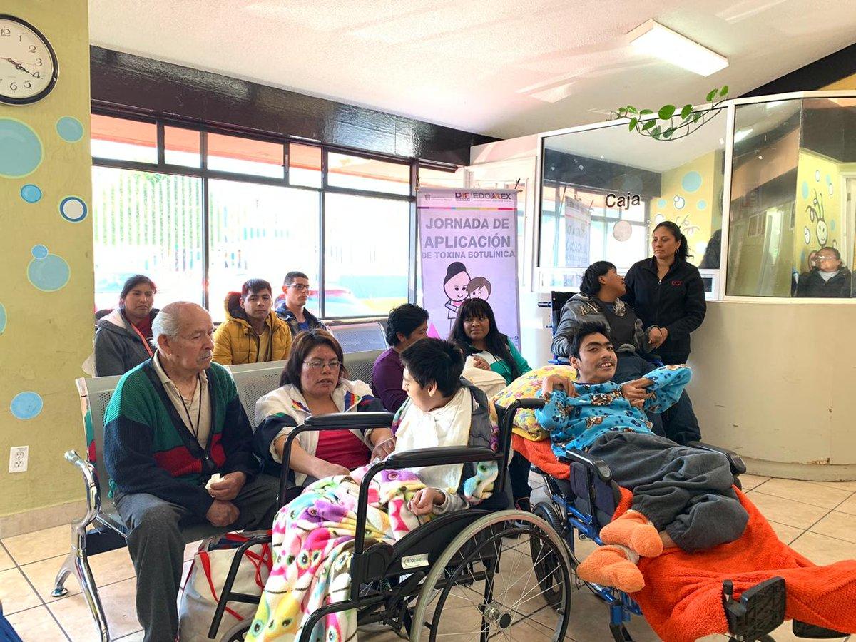 Como parte de las actividades de la #SemanaDeLaDiscapacidad aplicamos dosis de #ToxinaBotulínica para pacientes que previamente fueron valorados por su médico, con la finalidad de apoyar su proceso de rehabilitación. pic.twitter.com/NlbgSaM98D