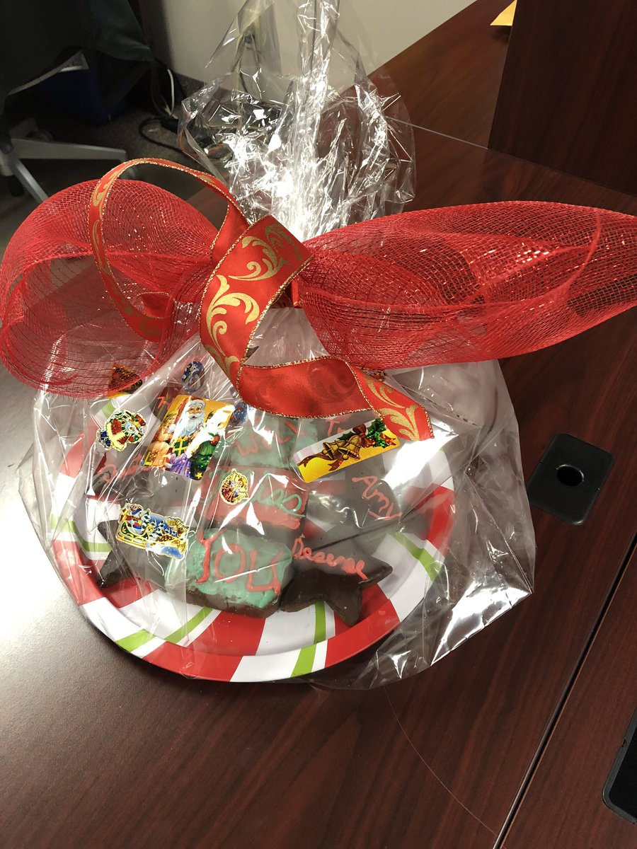 Many thanks to the North Central Family Centre @ncfcregina for dropping these holiday season yummies off for the ARR staff! https://t.co/Bl1gYINPDL