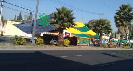 15:58 #PrecauciónVial cerrada la circulación de #EscuelaNavalMilitar al Sur de Av. Santa Ana a Manuela Sáenz, por manifestantes. Consulte #AlternativaVial.