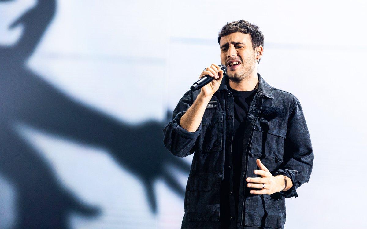 📻 L'ultimo dei cinque semifinalisti è #EugenioCampagna, per gli #over di @maramaionchi🎻  Avrà avuto #UnaBuonaIdea?🎤  RTL 102.5 è la radio di @XFactor_Italia ❌ #XF13 https://t.co/CTlAWw6DiK