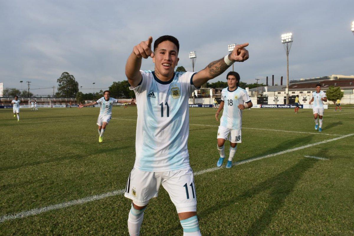 🏆 #SudamericanoSub15 - Semifinales  ⏱ 25' PT ¡A gritarlo, muchachos!  ⚽ @Argentina 🇦🇷 2 (Fernando Álvarez y Misael Jaime) - #Colombia 🇨🇴 0  📺 https://t.co/SMwPMn1emL https://t.co/NujvXFDRWj